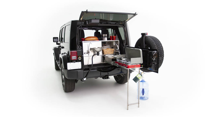 Best Time RV Jeep Explorer keuken